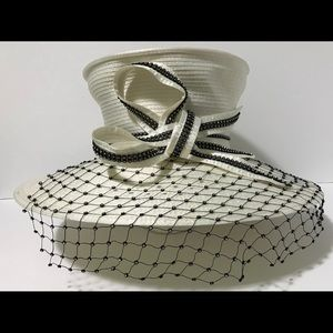 Women's fashion white hat with bow, net...